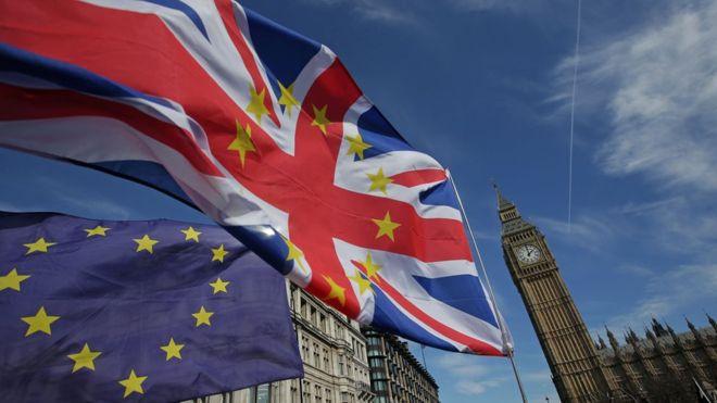 Governo britânico estaria escondendo informações sobre impactos do Brexit