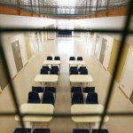 Home Office é acusado de manter imigrantes presos em condições degradantes